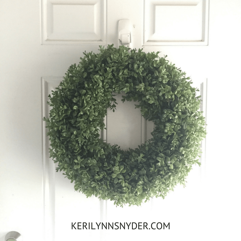 How to create an organized entryway, simple tips from Keri Lynn Snyder lifestyle blog