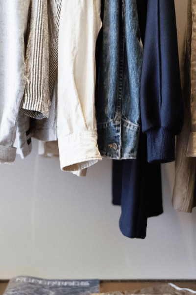 How to create a capsule wardrobe, simplify your clothes. Keri Lynn Snyder