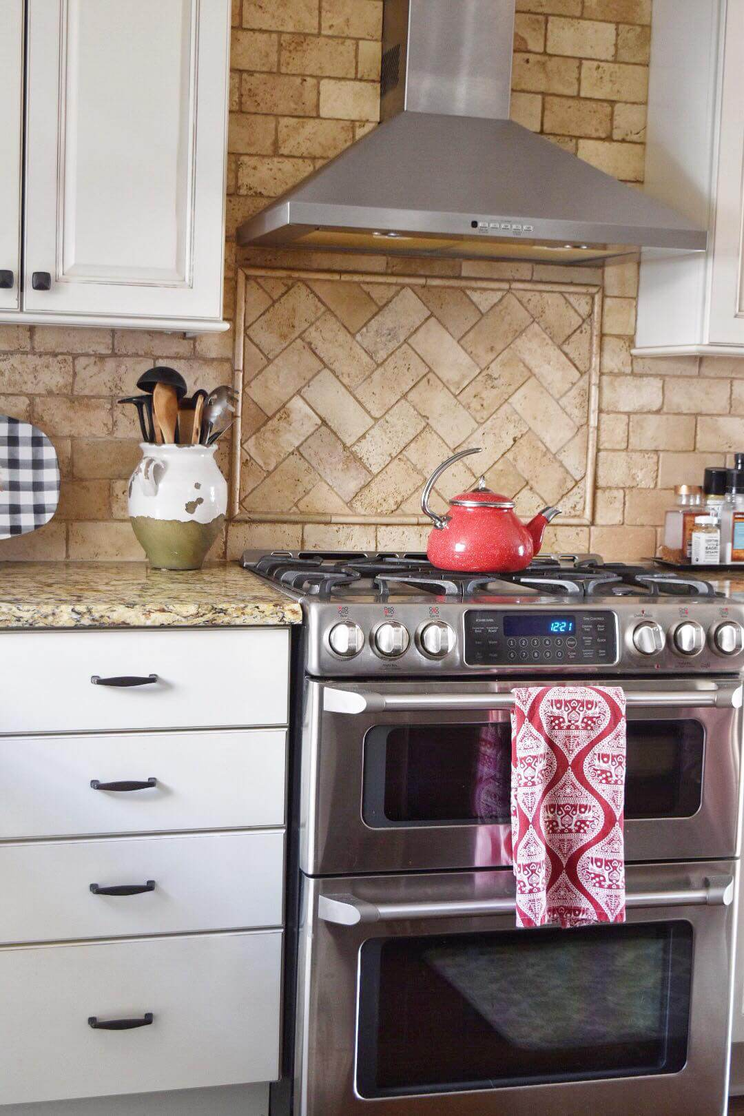 Kitchen decluttering and organization tips,